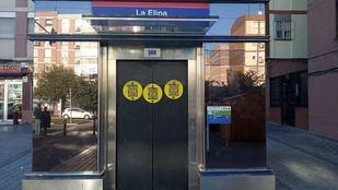 Ascensor cerrado en el Metro de La Elipa.