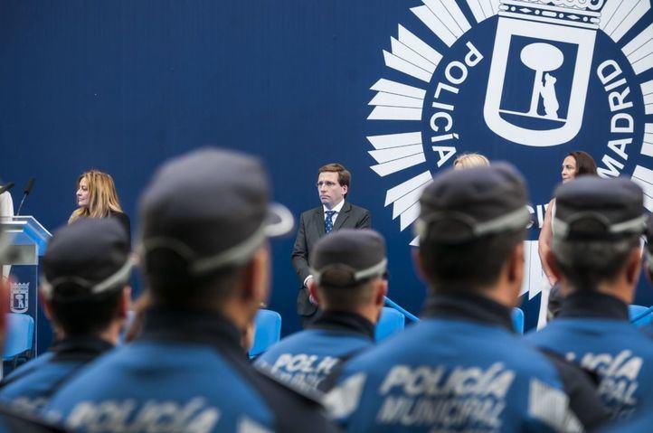 José Luis Martínez-Almeida, en la festividad del patrón de la Policía Municipal en el Retiro.
