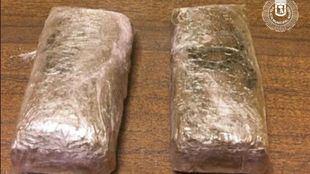 Planchas de hachís intervenidas al detenido