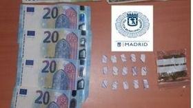 Dinero y droga incautada al detenido
