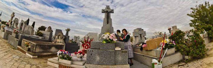 Ecofunerales y ataúdes de cartón frente al entierro tradicional