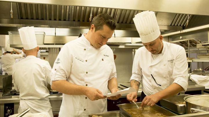 El chef Kiko Moya ha creado la propuesta gastronómica de la gala de fin de año del hotel The Westin Palace, Madrid.