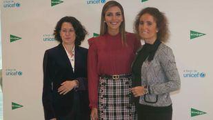 La Directora de Marketing y Captación de Fondos de UNICEF Comité Español, Marta Montiel; la madrina del evento, Rosanna Zanetti, y la responsable de Comunicación Corporativa de El Corte Inglés, Ester Uriol.