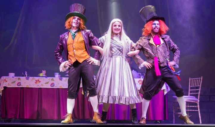 Una nueva versión de Alicia en el País de las Maravillas en el teatro Alcázar.