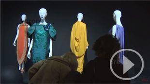 Cien años de historia de la moda en la Sala Azca