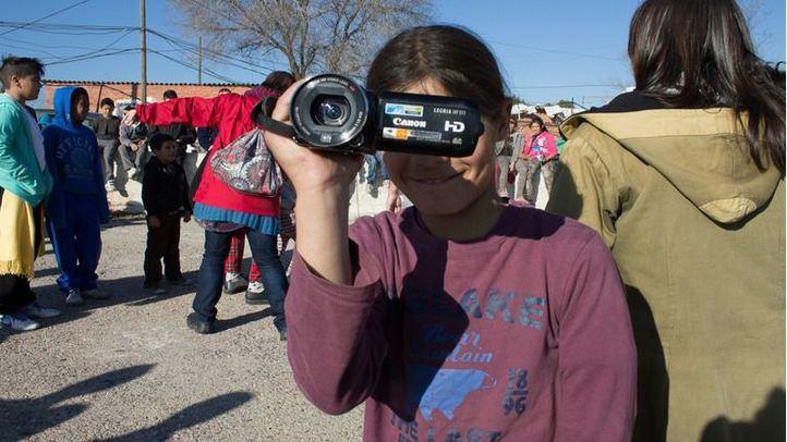 Una de las participantes de los talleres de cine en la Cañada Real