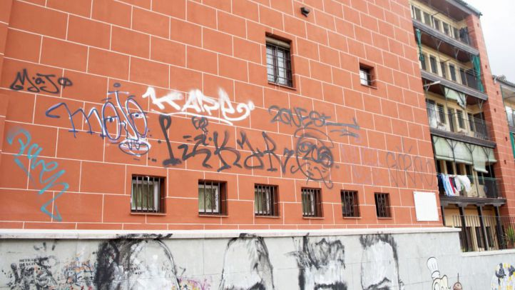 La Corrala, objetivo del vandalismo grafitero