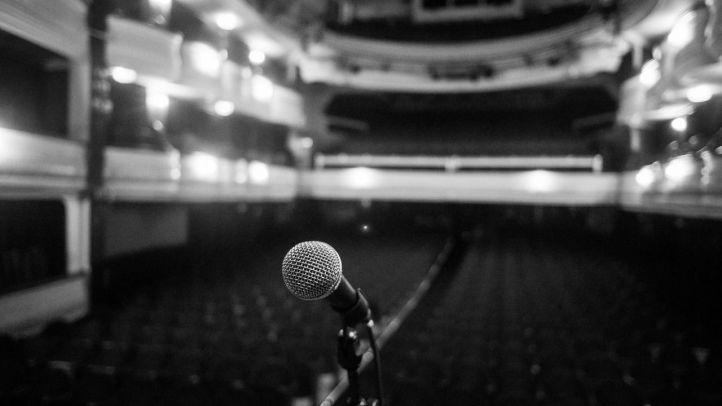 Micrófono en el teatro