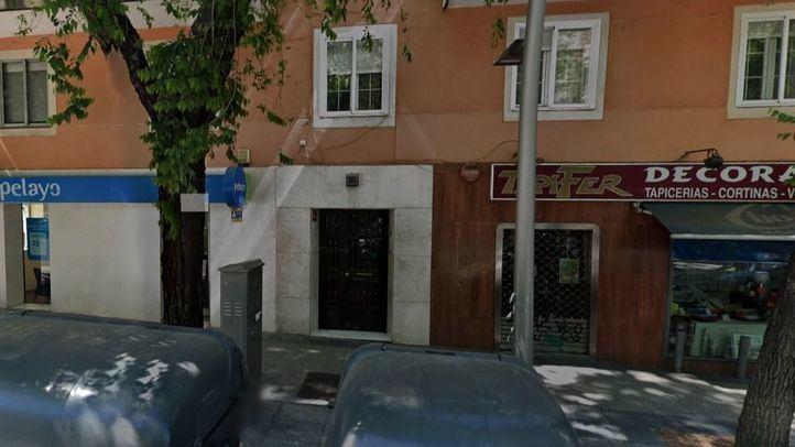 Hallado el cadáver de un hombre con fuertes golpes en la cabeza en una tienda de decoración de Madrid