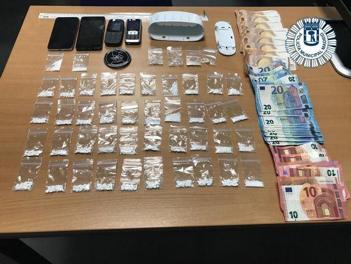 Detenido por posesión de bolsas de cocaína y cristal escondidas en una jabonera