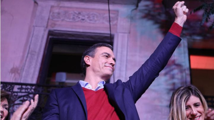 Pedro Sánchez comparece en la sede del PSOE, en calle Ferraz, para valorar los resultados de las elecciones del 10N.