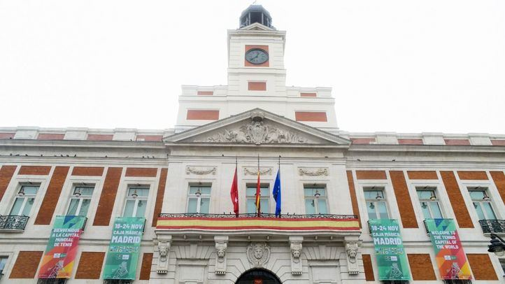 La Real Casa de Correos despliega carteles en su fachada por la Copa Davis