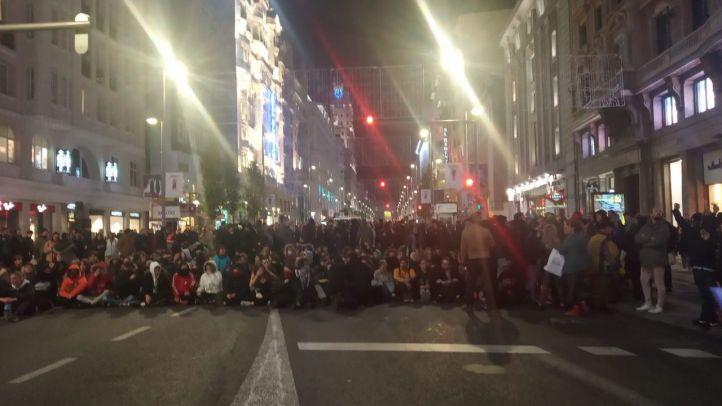 Bloqueo del tráfico y sentadas contra el desalojo de La Ingobernable