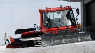 La nieve obliga a suspender los trenes entre Puerto de Navacerrada y Cotos