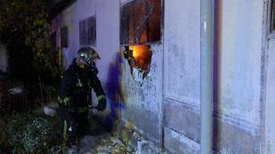 Seis dotaciones de Bomberos han acudido a extinguir el incendio