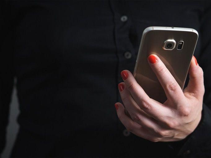 Detenido por simular el robo de su móvil, con el que grabó después un vídeo para redes sociales
