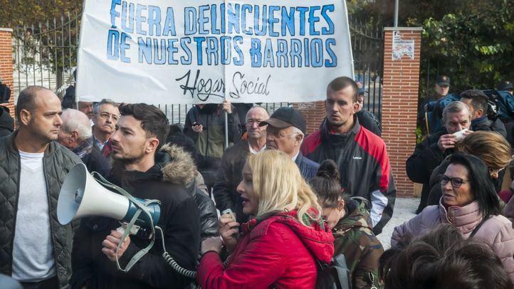 Concentración ante el Centro de Menores de Hortaleza, apoyada por Hogar Social Madrid