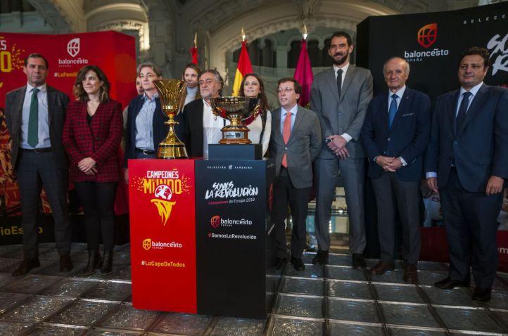 Homenaje a las selecciones españolas de baloncesto