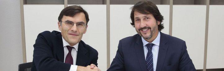 El vicepresidente ejecutivo de Fundación ONCE, Alberto Durán, y el consejero delegado de ALSA, Francisco Iglesias, han firmado en Madrid un Convenio Inserta para fomentar el empleo de personas con discapacidad.