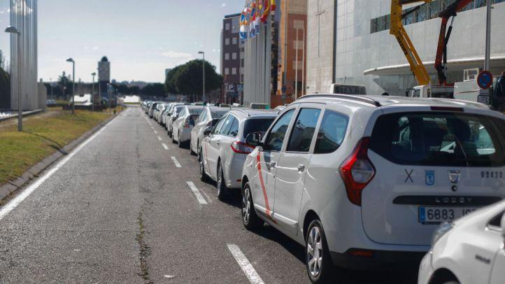 Taxis aparcados.