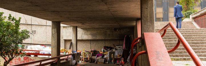 Cámaras y detectores vigilarán la entrada de personas sin hogar en los túneles