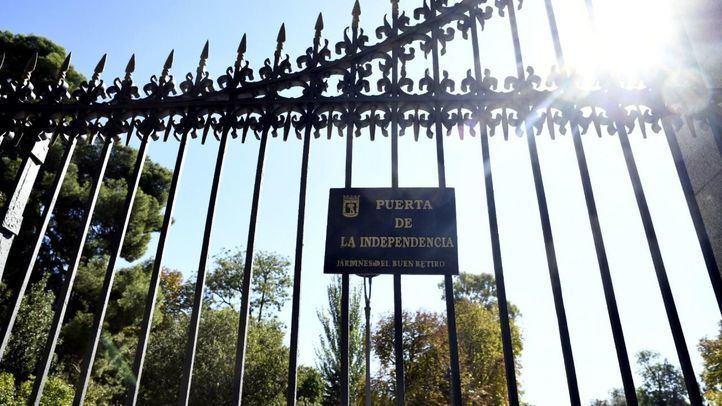 Verja de la Puerta de la Independencia del Parque del Retiro de Madrid.