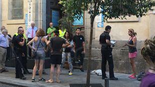 La Policía interviene tras un incidente en la iglesia de San Antón.