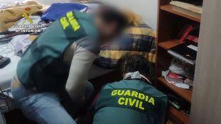 Detenidos dos hombres por 11 delitos de abuso sexual a través de engaños por la red