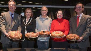 De izquierda a derecha: Lucas Urquijo, Milagros Mateos, Paco Arango, Rosa González y Tomás Epeldegui.