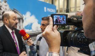 Canal 33 entrevista a Constantino Mediavilla, homenajeado en  su acto-homenaje de 25 aniversario