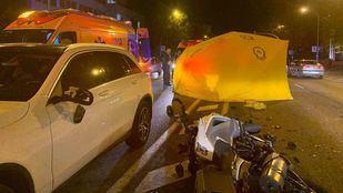Fallece un motorista golpeado por un coche en Joaquín Costa