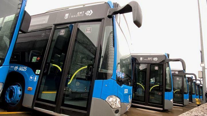 Autobuses de la EMT aparcados en una de las cocheras de Transporte Municipal de Madrid.