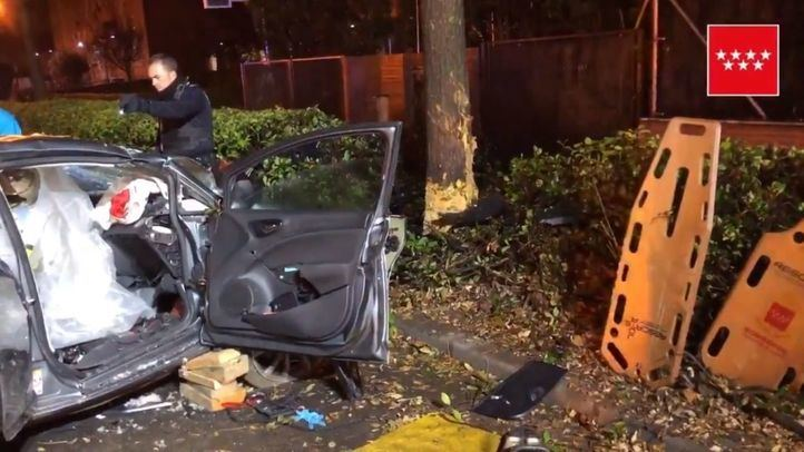 Los seis integrantes de un vehículo resultan heridos tras chocar contra un árbol