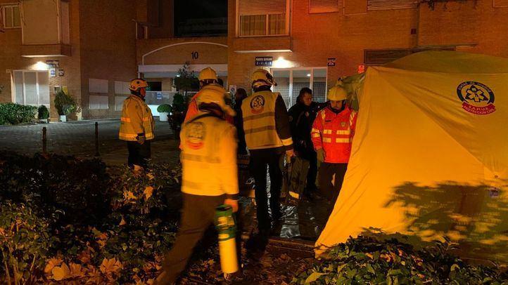 Intoxicadas cuatro personas por un incendio en un bloque de pisos en Arganzuela