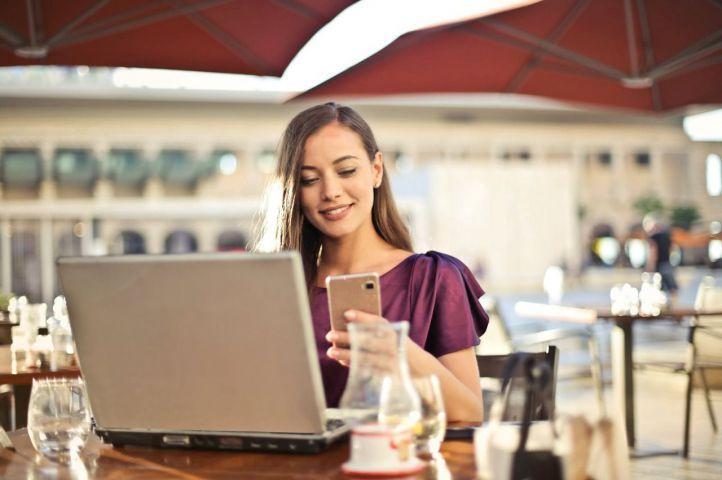 ¿Cómo se gasta el dinero en internet en la actualidad?