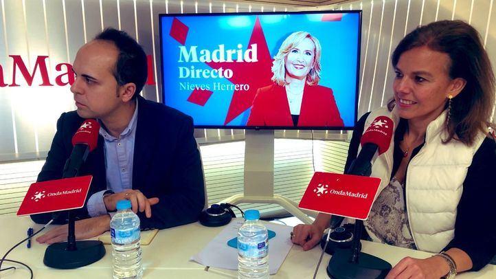 Almudena Maíllo, concejala del Grupo Municipal del Partido Popular y José Manuel Calvo, edil de Más Madrid en el Ayuntamiento de Madrid