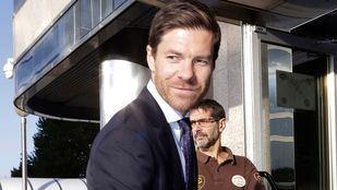 Xabi Alonso a la puerta de la Audiencia Provincial de Madrid