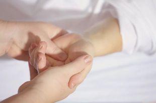 El trabajo del fisioterapeuta va mucho más allá del masaje para aliviar un dolor