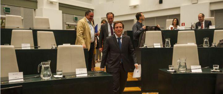 Almeida desprecia la oferta de Más Madrid y fía aprobarlos al apoyo de Vox