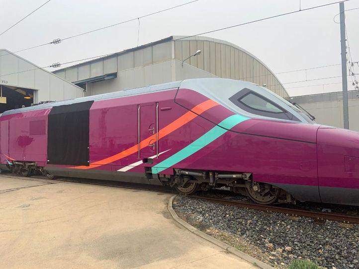 El AVE 'low cost' de Renfe se llamará AVLO y lucirá el color morado