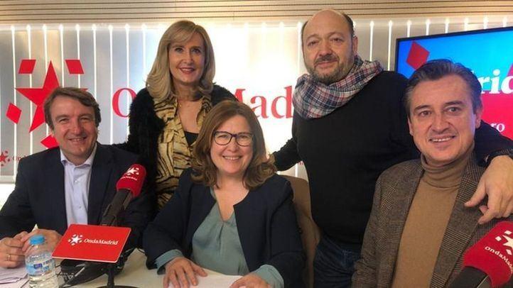 Nieves Herrero y Constantino Mediavilla junto a Jesús moreno, Natalia de Andrés y Francisco Javier Martínez