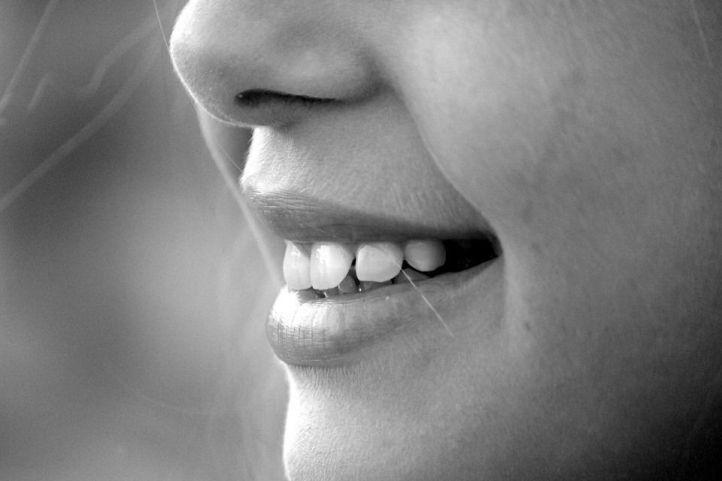 5 Consejos para dejar tus dientes limpios y brillantes