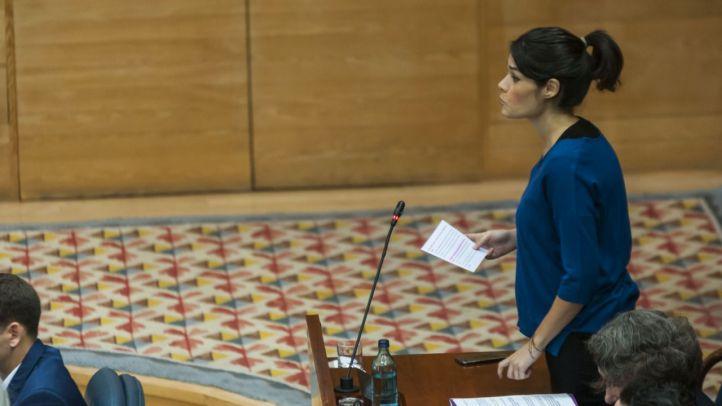Isa Serra 'no se plantea dimitir' a pesar de que la oposición le pida 'coherencia'