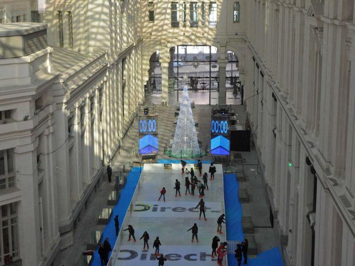 Pista de hielo palacio de Cibeles de Madrid