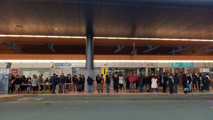 Retrasos y largas colas por la huelga de autobuses y Metro