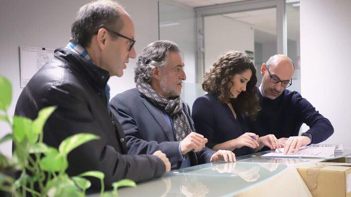 El portavoz del PSOE en el Ayuntamiento de Madrid, Pepu Hernández, junto a los ediles socialistas Ramón Silva y Enma López.
