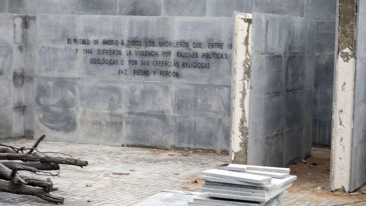 Las palabras que se muestran en la nueva obra, aún en construcción.