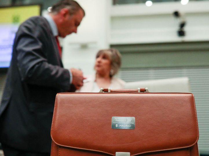 Vox 'tumba' el primer intento de Almeida para aprobar sus Presupuestos, que se votarán el lunes