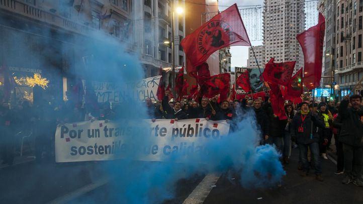 Manifestación de trabajadores de la EMT en la huelga del 13 de diciembre.