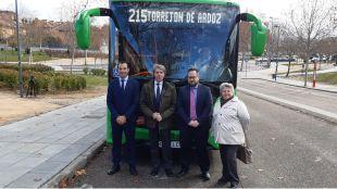 Garrido presenta la primera línea de autobús interurbano entre Paracuellos del Jarama y Torrejón de Ardoz